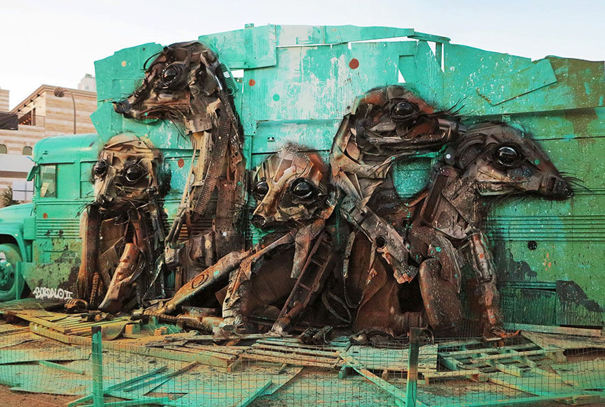 http://allfreefoto.ru/wp-content/uploads/2016/09/Animal-sculpture-ot-hudozhnika-Artur-Bordalo-12.jpg