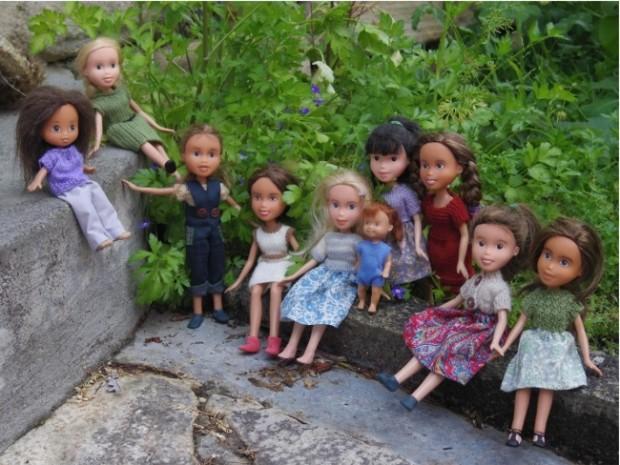 Кукла Барби с макияжем и без него-11