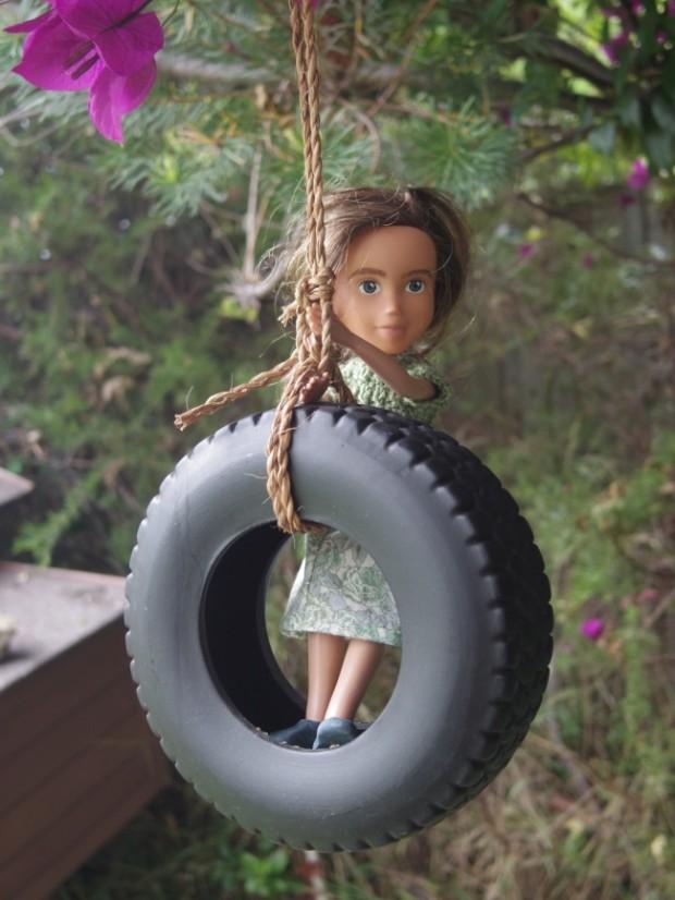 Кукла Барби с макияжем и без него-6