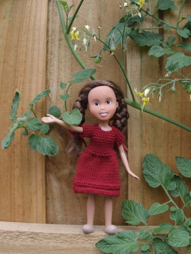 Кукла Барби с макияжем и без него-7
