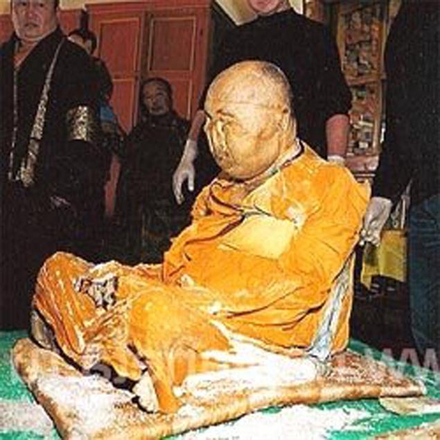 200-летняя мумия тибетского монаха-4