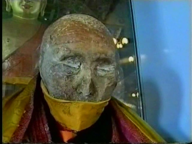 200-летняя мумия тибетского монаха-8
