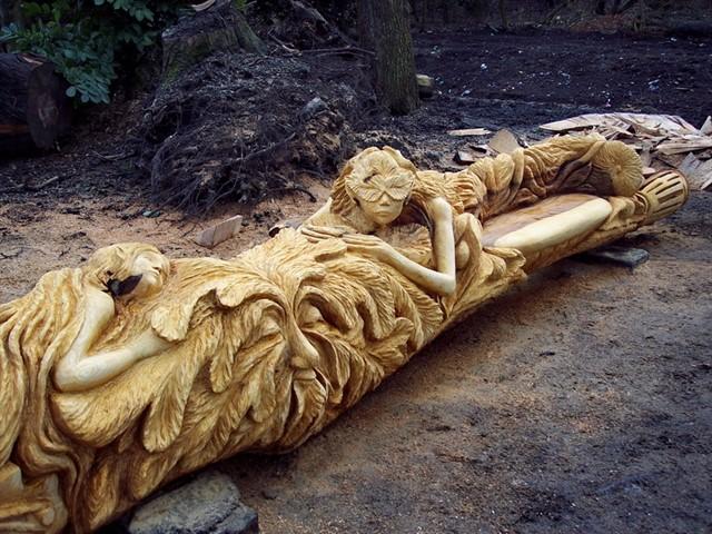 Скульптуры из старых пней-7