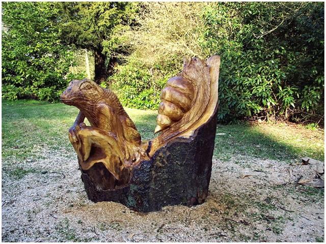 Скульптуры из старых пней-8