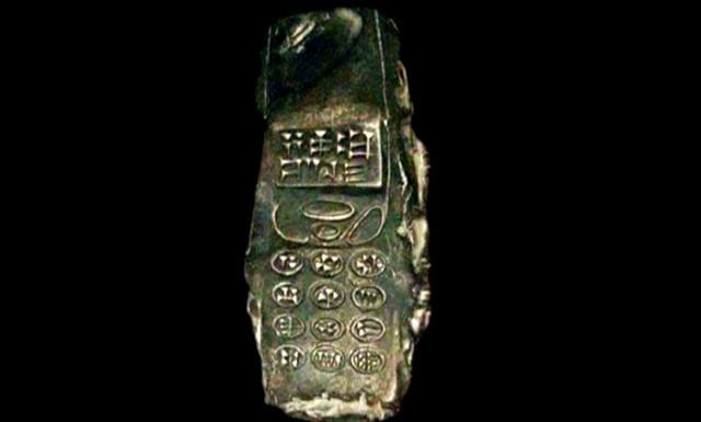 Глиняная копия смартфона-3