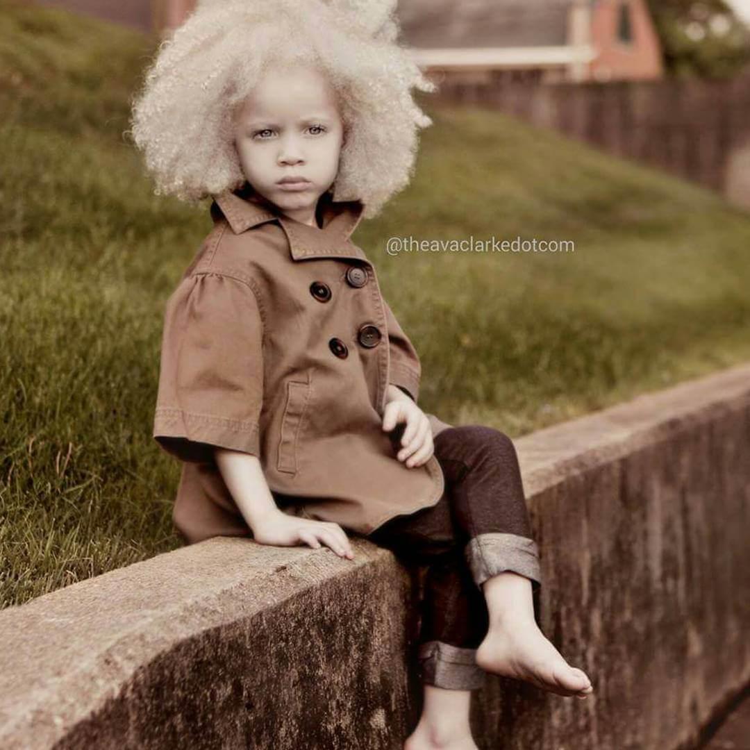 model-albinos-ava-clarke-3
