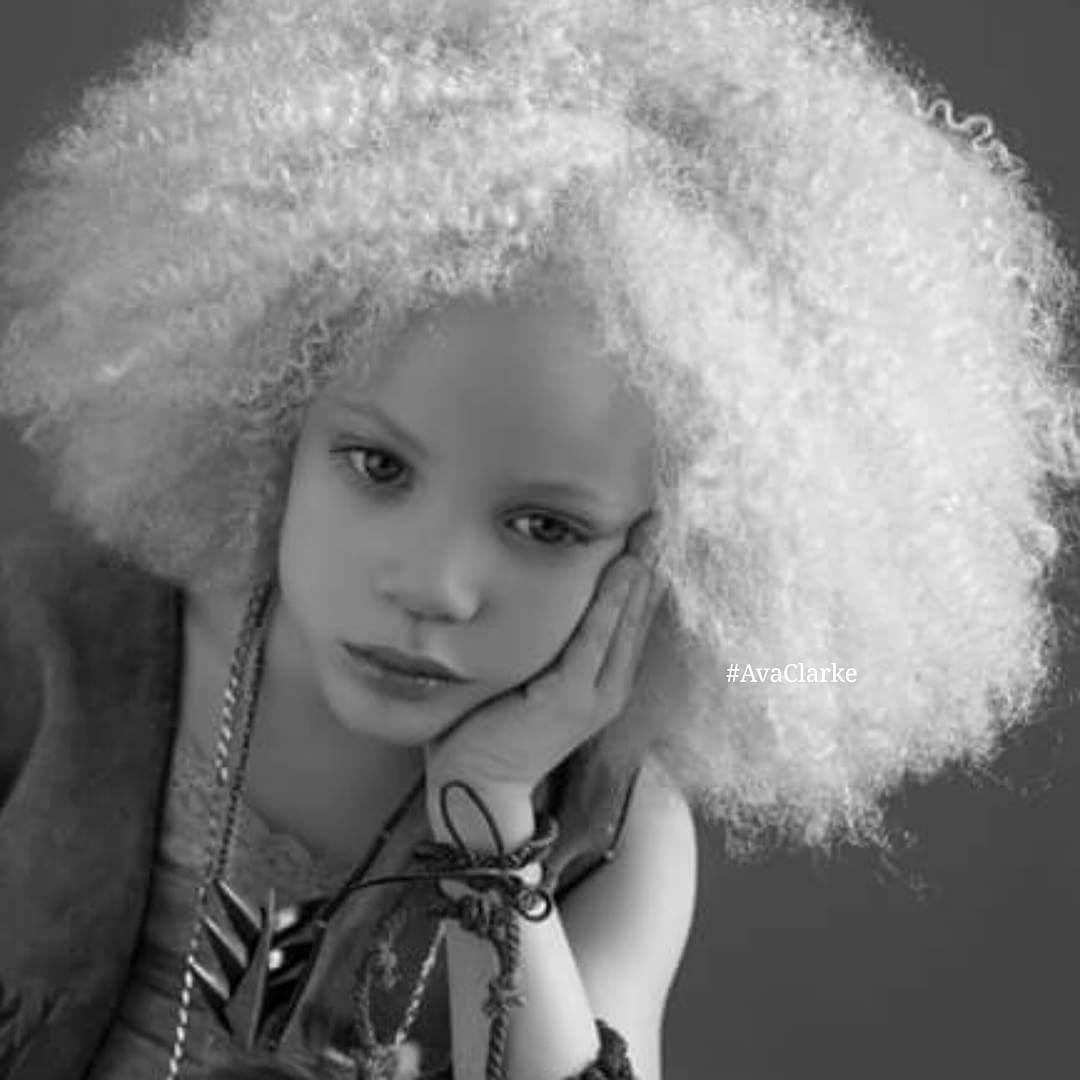 model-albinos-ava-clarke-4