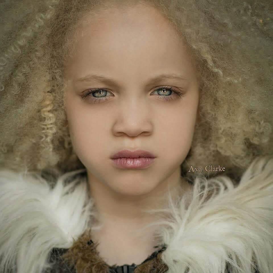 model-albinos-ava-clarke-5