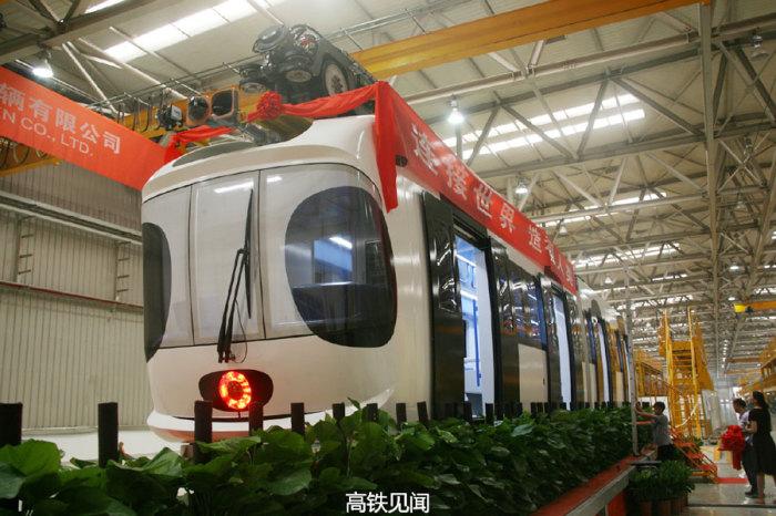 sky-train-poezd-panda-3