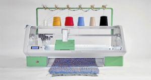 Kniterate - швейная машина нового поколения, способная самостоятельно связать любую вещь по созданному пользователем шаблону
