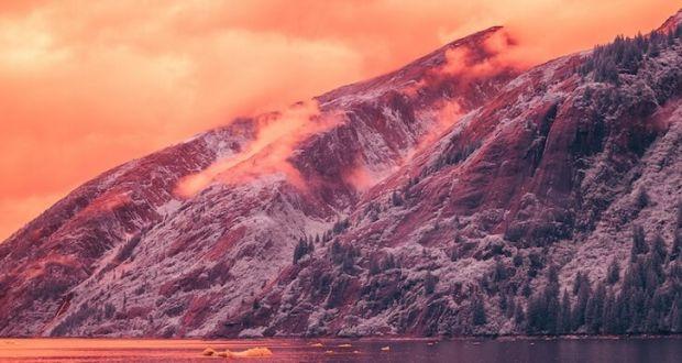 Красота природы Аляски в инфракрасном свете в проекте InfraMunk vs. Tracy Arm Fjord фотографа Bradley Munkowitz