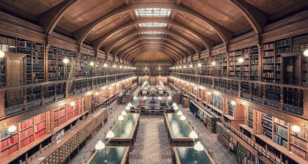 Симметричные снимки библиотек мира от фотографа Thibaud Poirer