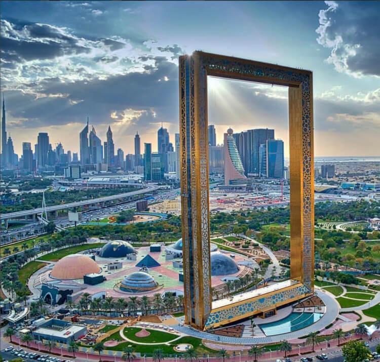 «Дубайская рамка» в Дубай